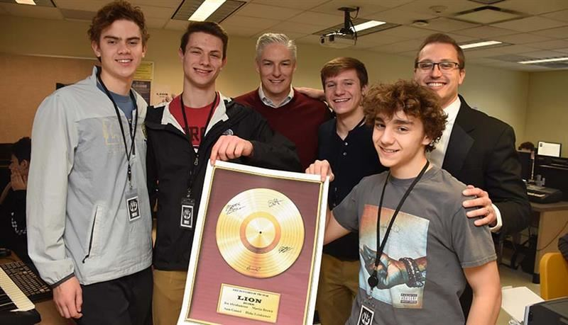 Lion Records winning Label of the Year